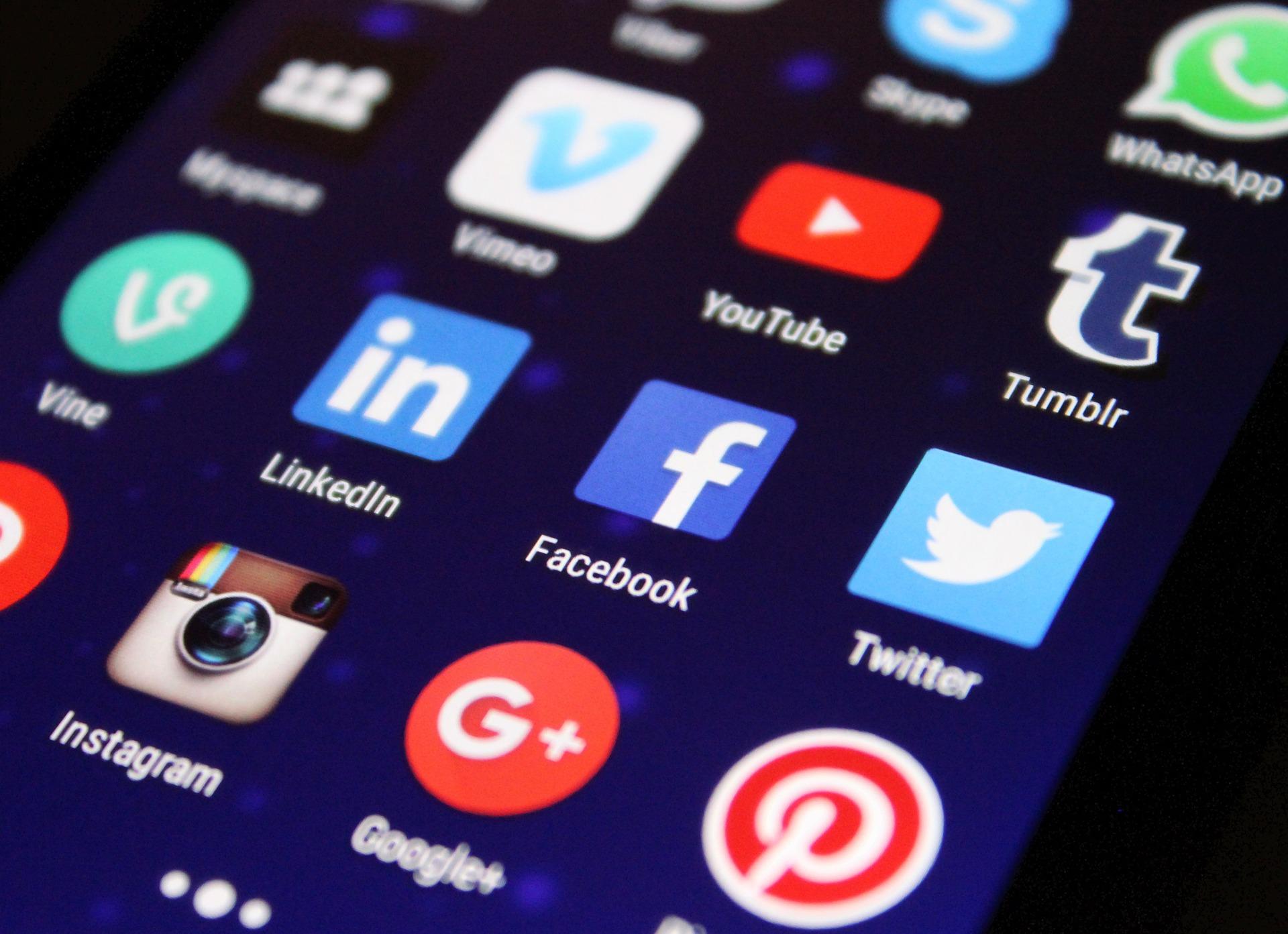 ACK y las Redes Sociales