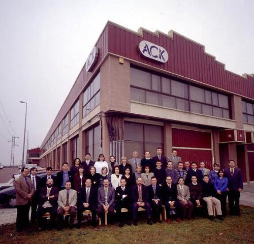 foto 1999 nave y personal